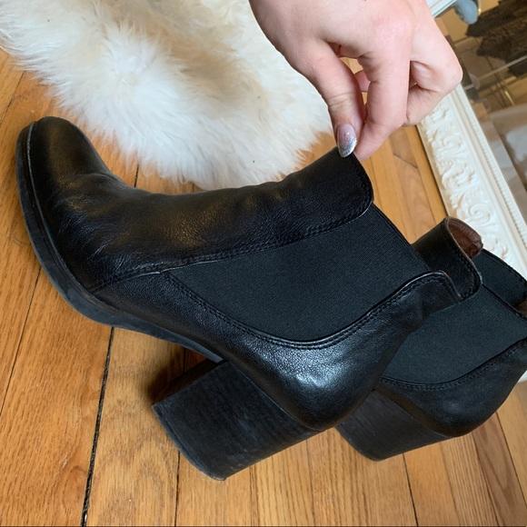 Eric Michael Shoes - Eric Michael Chelsea Boots